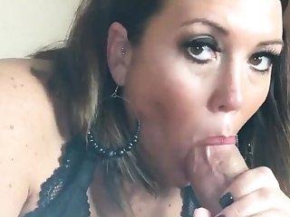 Cumshot stay away from bush-league MILF wanks cock in POV video